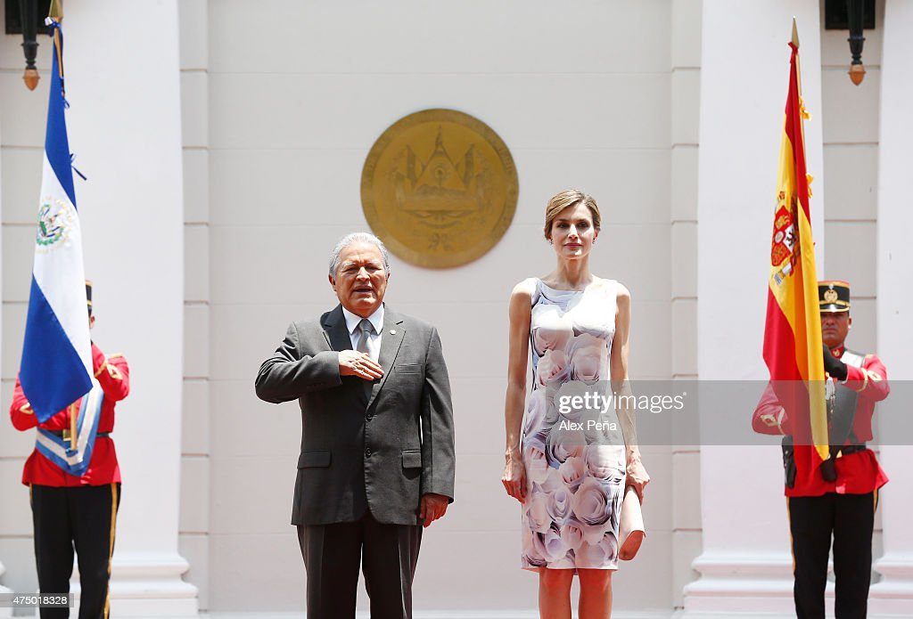 Queen Letizia of Spain and Salvador Sanchez Ceren President of El Salvador attend an official welcome ceremony at Presidential Palace during Letizia of Spain visit to El Salvador on May 28, 2015 in San Salvador, El Salvador.