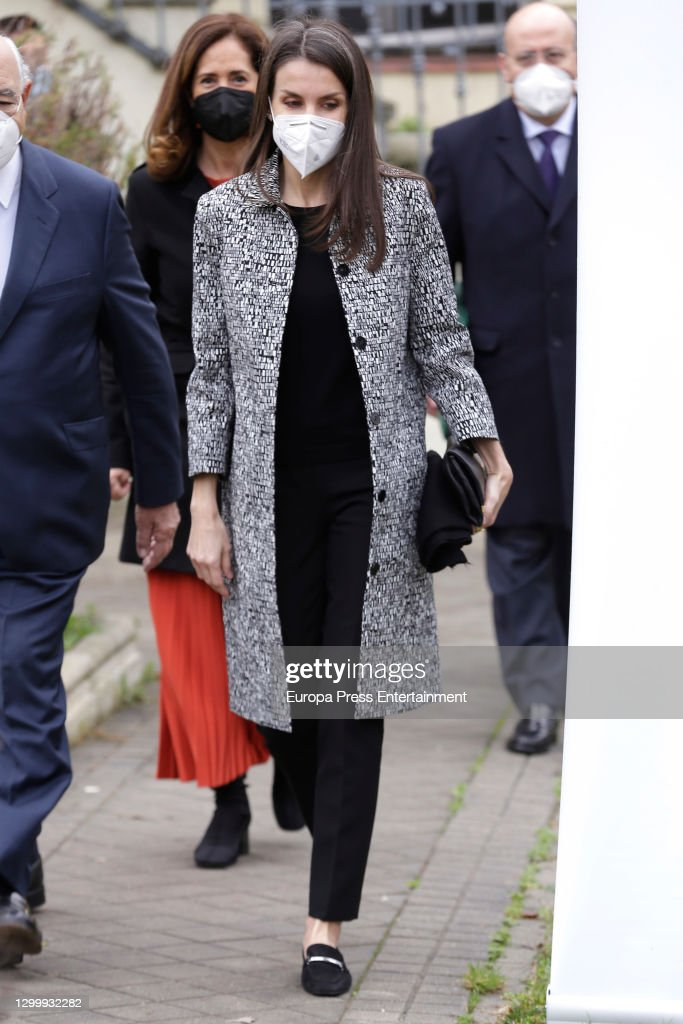 Queen Letizia of Spain Arrives at the FAD : News Photo