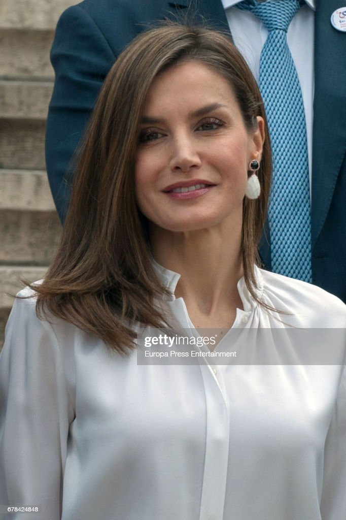 Queen Letizia of Spain arrives at the opening of the exhibition 'Scripta. Tesoros manuscritos de la Universidad de Salamanca' at the National Library on May 4, 2017 in Madrid, Spain.