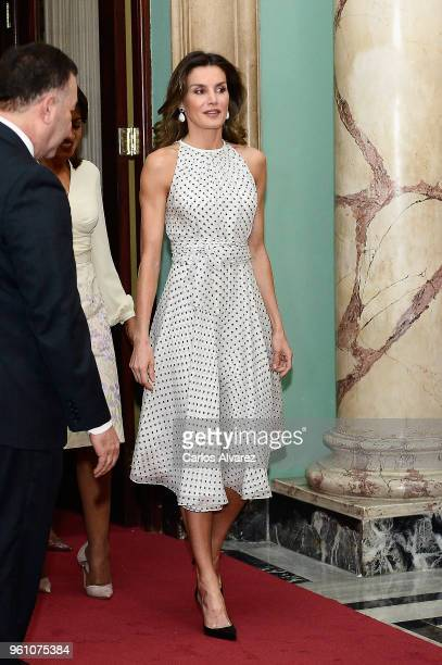 Queen Letizia of Spain arrives for a lunch with the President of Dominican Republic Danilo Medina and Candida Montilla de Medina at the Presidential...