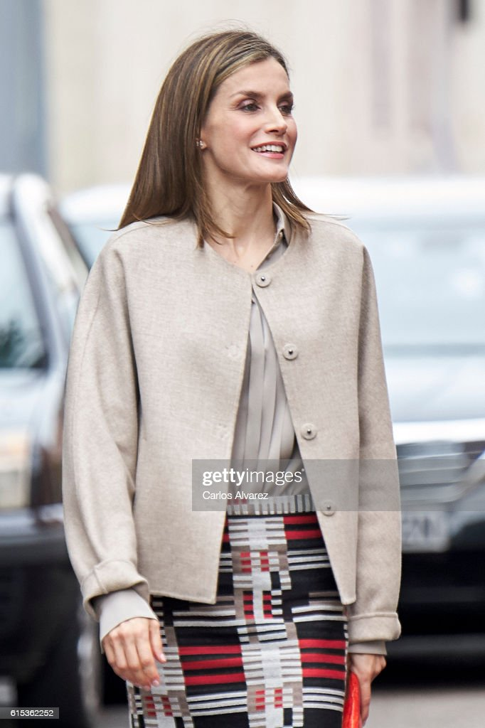 Queen Letizia Attends a Meeting at the CSME (Espana Mental Health Confederation) : News Photo