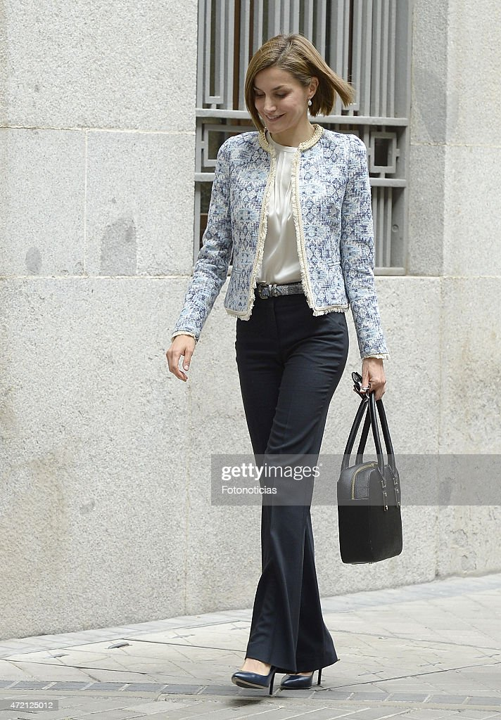 Queen Letizia Of Spain Meets Spanish Association Against Cancer : Nieuwsfoto's