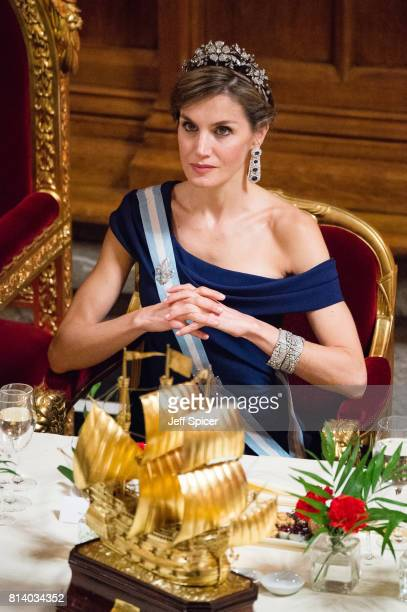 Queen Letizia of Spain attends a banquet at the Guildhall during a State visit by the King and Queen of Spain on July 13 2017 in London England This...