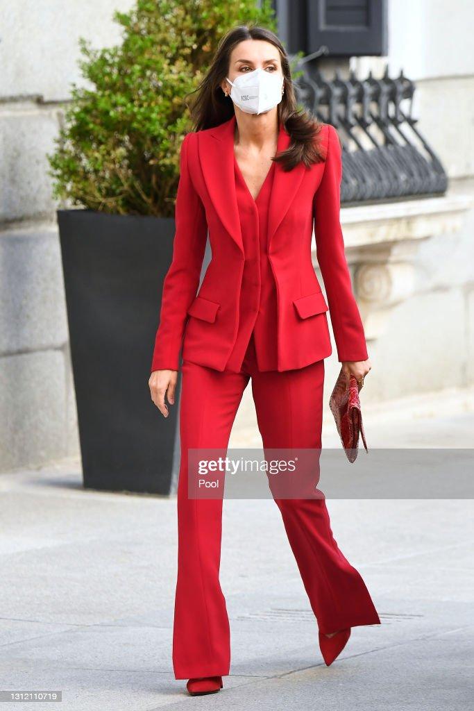 Queen Letizia Attends A Clara Campoamor Tribute At Congress : News Photo