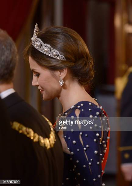 Queen Letizia of Spain attends a dinner gala for the President of Portugal Marcelo Rebelo de Sousa at the Royal Palace on April 16 2018 in Madrid...