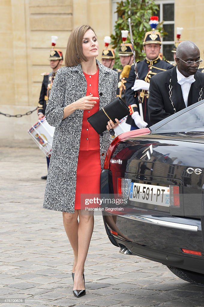 King Felipe Of Spain and Queen Letizia Of Spain On Official Visit In France : Day 2 : News Photo