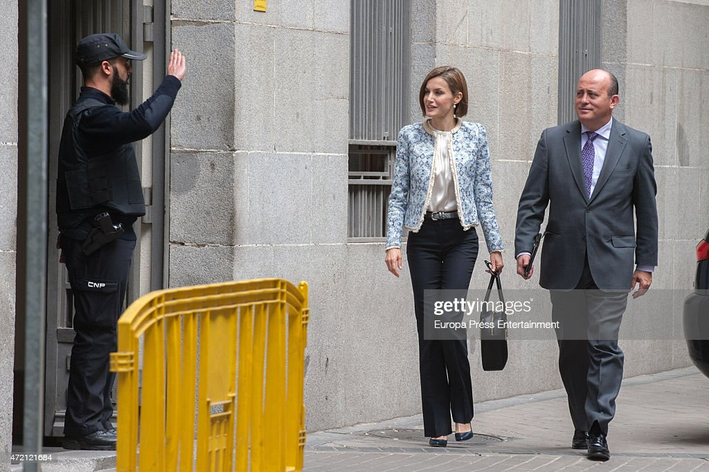 Queen Letizia Of Spain Attends Association Against Cancer Meeting : News Photo