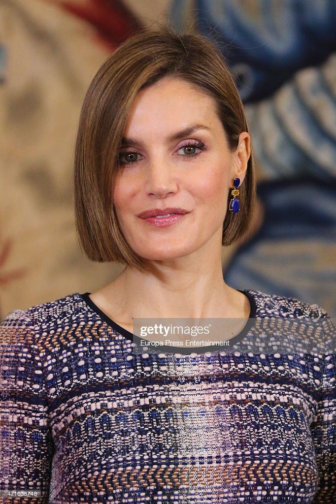 Queen Letizia of Spain Attends Audiences In Madrid - April 30, 2015 : News Photo