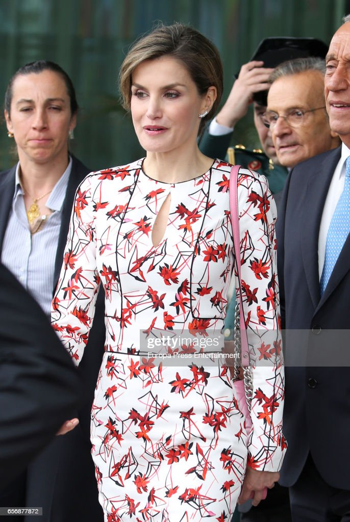 Queen Letizia Of Spain Attends Forum Against Cancer in Porto : News Photo