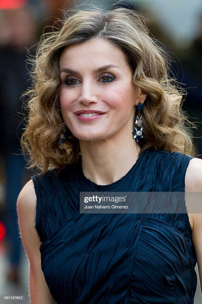 Queen Letizia Attends 'Famelab Espana 2016' Scientific Monologues : News Photo