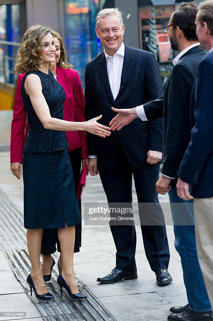 Queen Letizia Attends 'Famelab Espana 2016' Scientific Monologues : News Photo