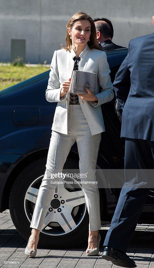 Queen Letizia of Spain Visits CIAL : News Photo