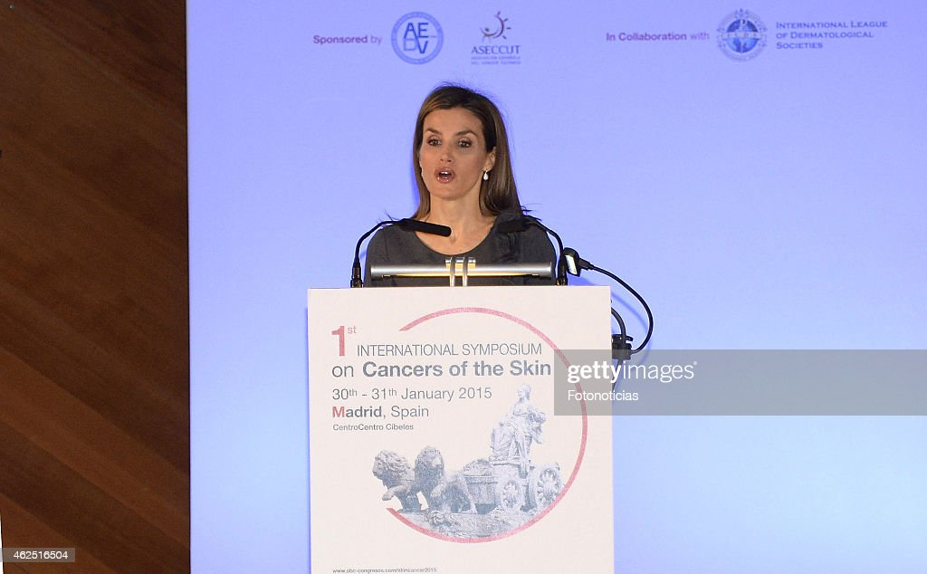 Queen Letizia of Spain Attends 'The I Skin Cancer Symposium' : News Photo