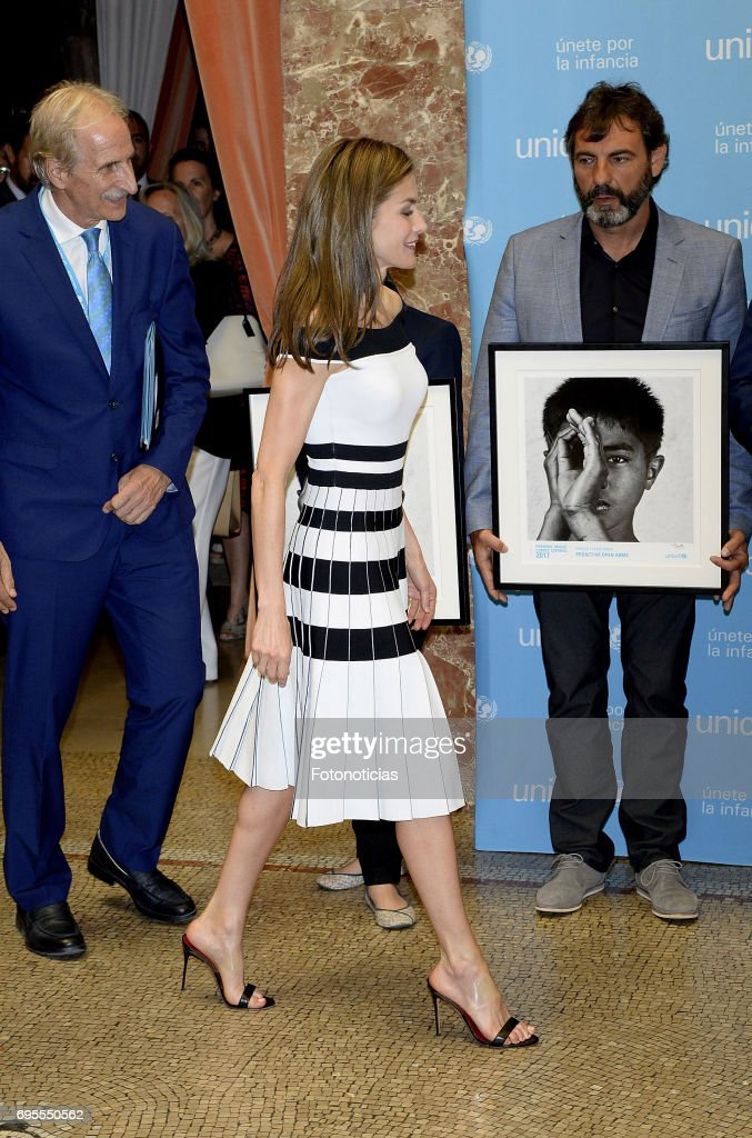 Queen Letizia of Spain (C) attends the 2017 UNICEF Awards ceremony at the CSIC on June 13, 2017 in Madrid, Spain.