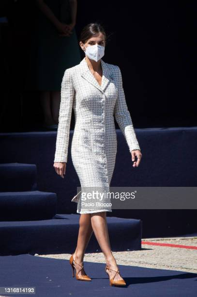 Queen Letizia of Spain attends the ceremony of the delivery of the National Flag to the ACAVIET on May 07, 2021 in Colmenar Viejo, Spain.