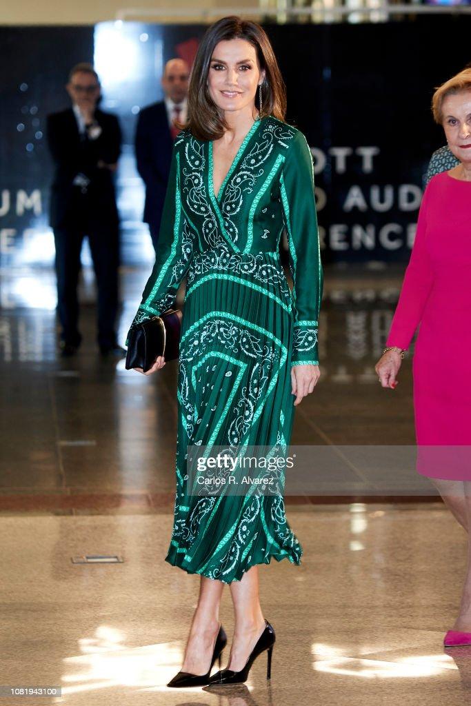 Queen Letizia Of Spain Attends The Closure Of AFAMMER International Congress : Nachrichtenfoto