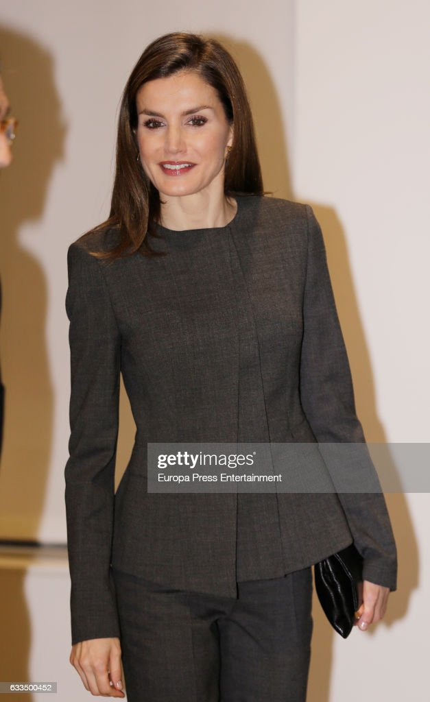 Queen Letizia Of Spain Arrives At The Forum Against Cancer in Madrid : News Photo