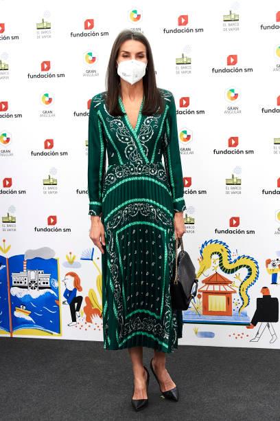 ESP: Queen Letizia Of Spain Attends 'El Barco De Vapor' And 'Gran Angular' Youth Literature Awards