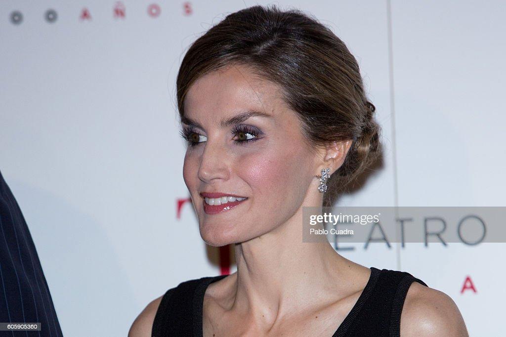 Spanish Royals Inaugurate Royal Theatre Season : News Photo