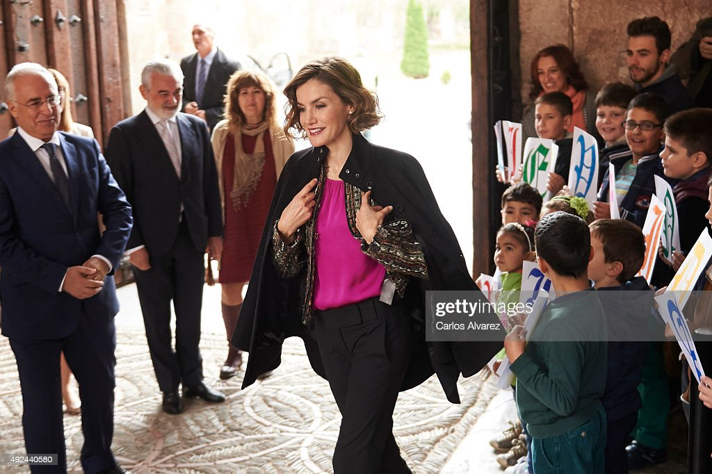 Queen Letizia of Spain Inaugurates the 10th International Seminar of Language and Journalism : News Photo