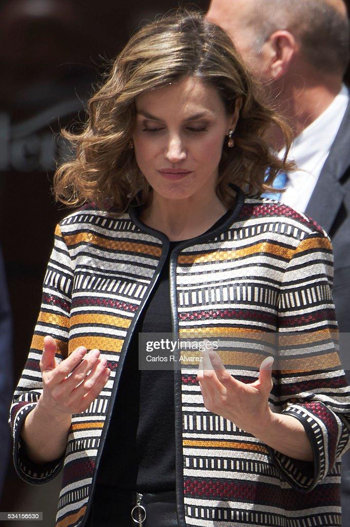 Queen Letizia Attends Journalism Seminar in La Rioja : News Photo