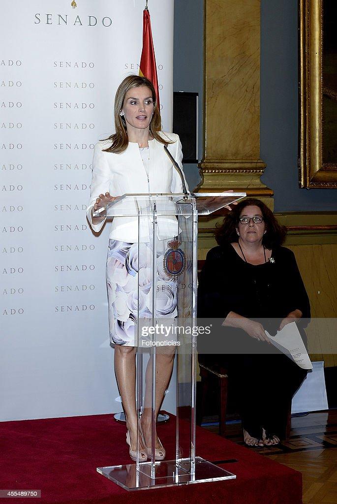 Queen Letizia of Spain Attends 'Luis Carandell' Journalism Awards : News Photo
