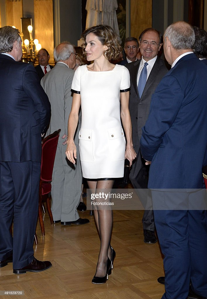 Queen Letizia of Spain Attends 'Luis Carandell' Journalism Award : News Photo