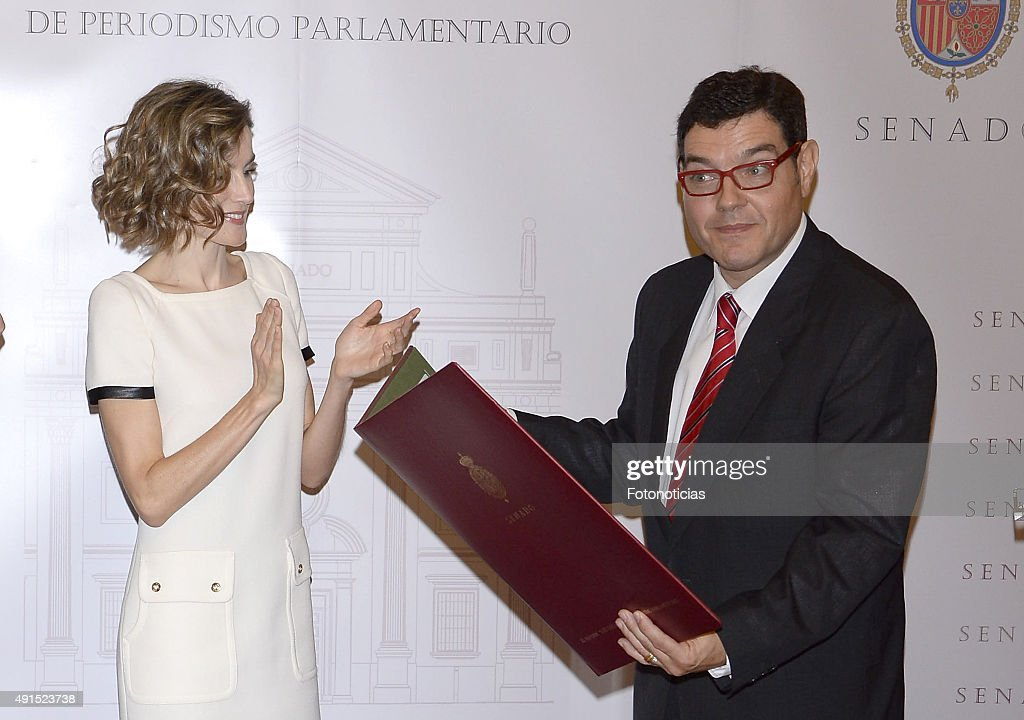 Queen Letizia of Spain Attends 'Luis Carandell' Journalism Award : News Photo
