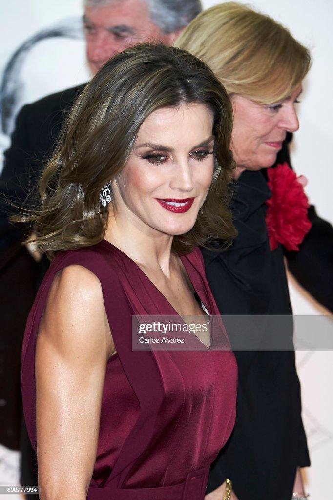 Queen Letizia of Spain attends the 'Mariano de Cavia', 'Luca de Tena' and 'Mingote' Journalism awards on October 26, 2017 in Madrid, Spain.