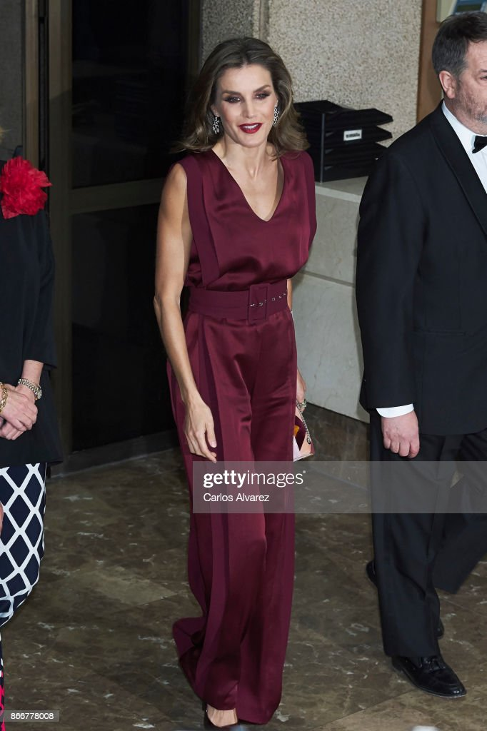 Queen Letizia of Spain attends the 'Mariano de Cavia', 'Luca de Tena' and 'Mingote' Journalism awards on October 26, 2017 in Madrid, Spain.