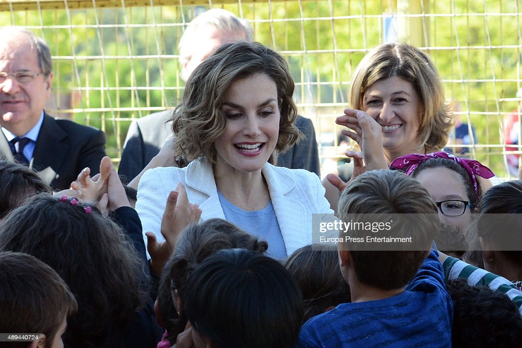 Queen Letizia of Spain Attends The Opening of 2015-2016 Scholarship Course in Palencia : News Photo