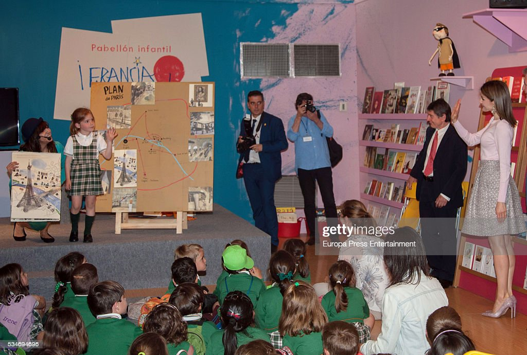 Queen Letizia attends the Opening of Madrid Book Fair : News Photo