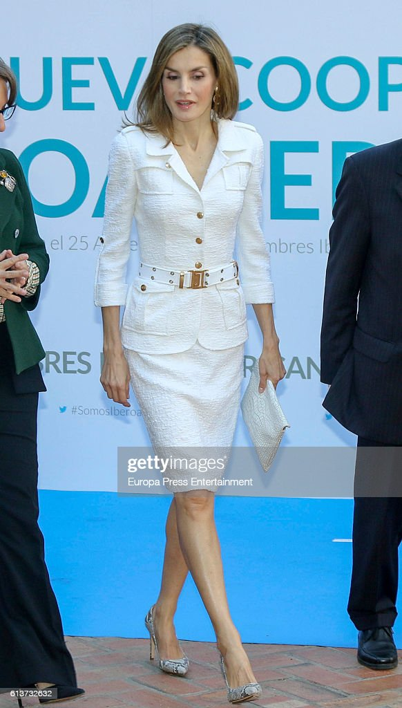 Queen Letizia Attends a Seminar at Casa de America in Madrid : Nachrichtenfoto