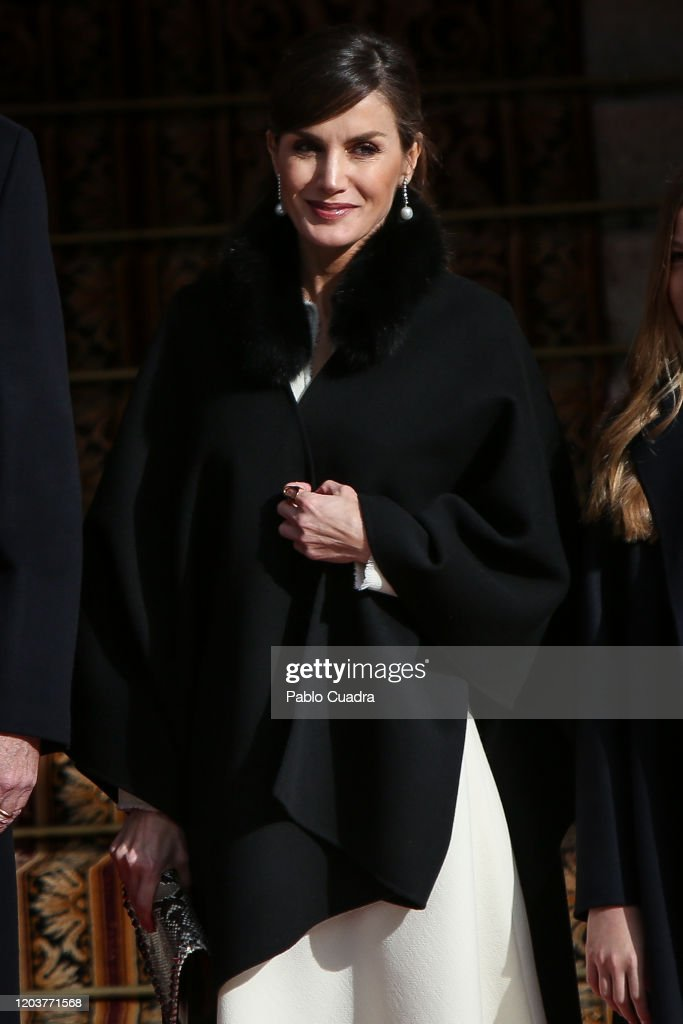Spanish Royals Attend the 14th Legislative Sessions Opening : Foto di attualità