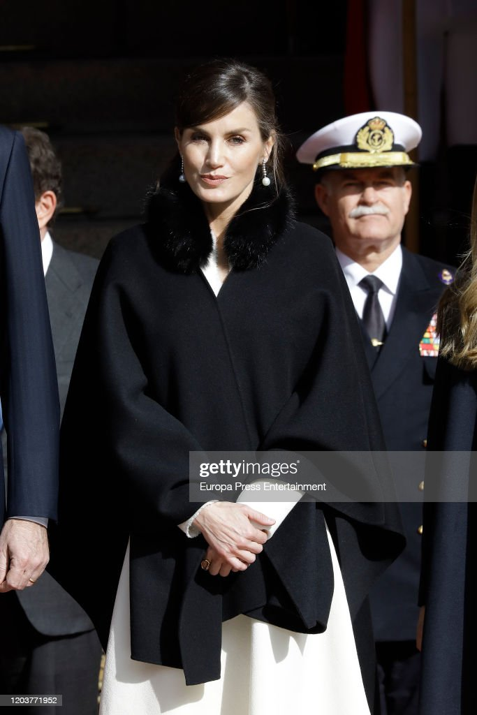 Spanish Royals Attend the 14th Legislative Sessions Opening : Fotografía de noticias