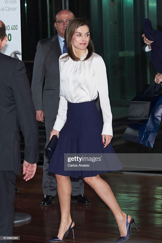 Queen Letizia Of Spain Attends Forum Against Cancer : ニュース写真