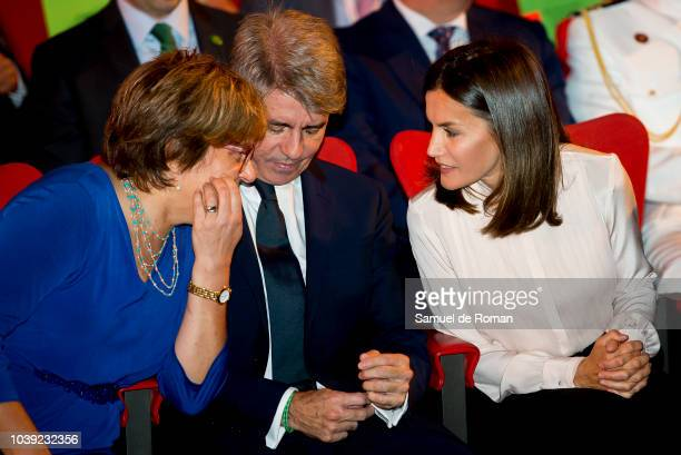 Queen Letizia Of Spain Attends 'V De Vida' AECC Awards 2018 on September 24 2018 in Madrid Spain