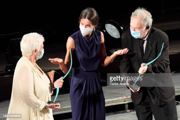 Queen Letizia of Spain delivers the award to British actress Judi Dench and British director Stephen Frears during Closing Ceremony of Atlantida...