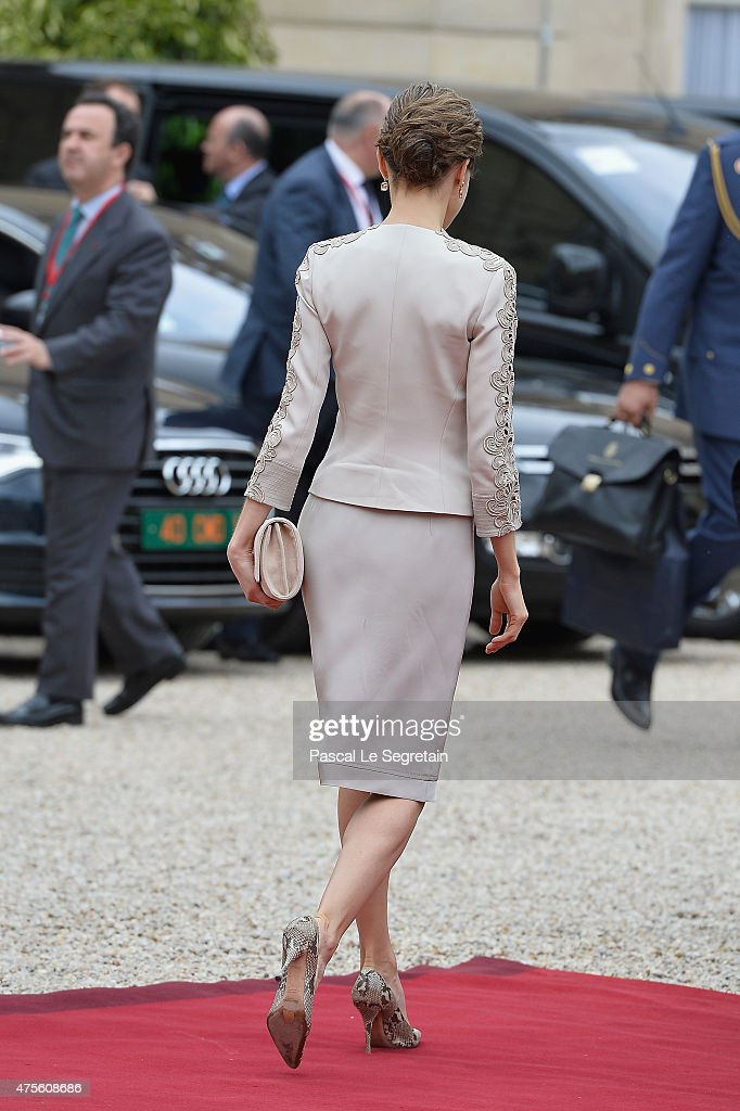 Queen Letizia of Spain departs from the Elysee Palace to meet French President Francois Hollande on June 2, 2015 in Paris, France.