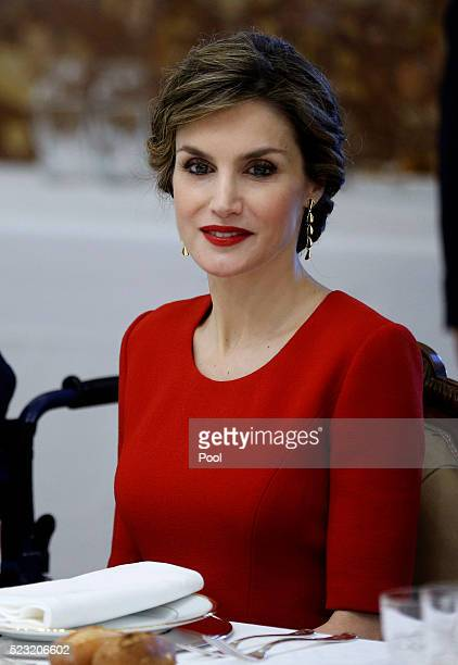 Queen Letizia of Spain during lunch offered to Mexican writer Fernando del Paso following the Cervantes Prize award at Zarzuela Palace on April 22...