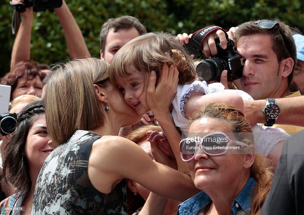 Queen Letizia of Spain Inaugurates The Summer Courses of 'International School of Music' of Princesa de Asturias Foundation : Nachrichtenfoto