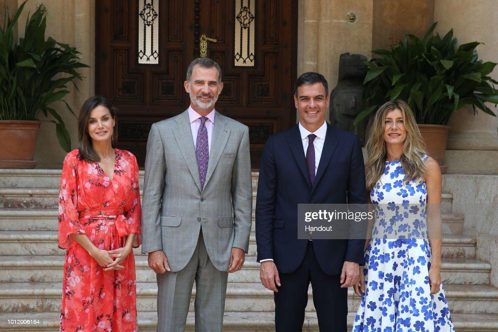 King Felipe VI Of Spain Receives Prime Minister Pedro Sanchez : News Photo