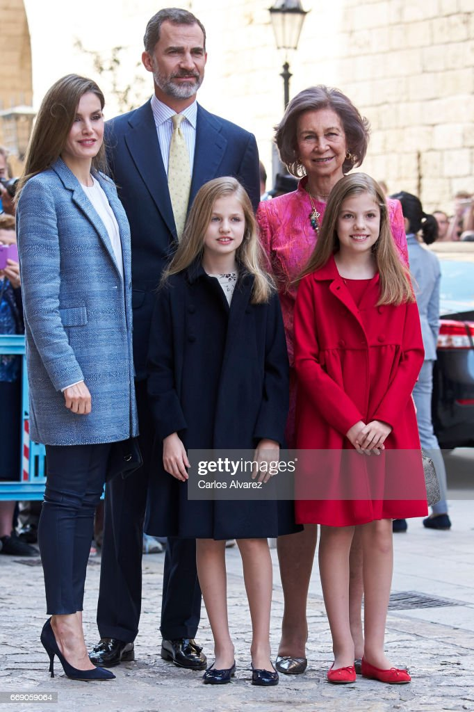 Queen Letizia of Spain, King Felipe VI of Spain, Princess Leonor of Spain, Queen Sofia and Princess Sofia of Spain attend the Easter Mass at the Cathedral of Palma de Mallorca on April 16, 2017 in Palma de Mallorca, Spain.