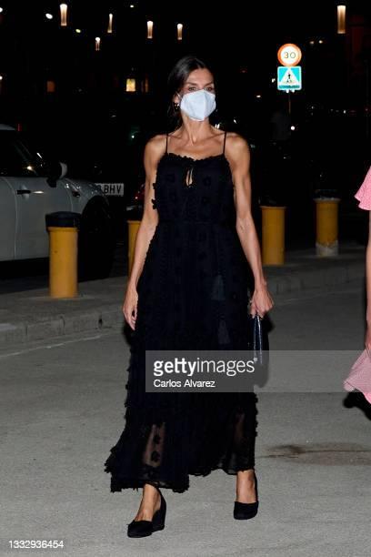 Queen Letizia of Spain leaves the Ola de Mar restaurant on August 07, 2021 in Palma de Mallorca, Spain.