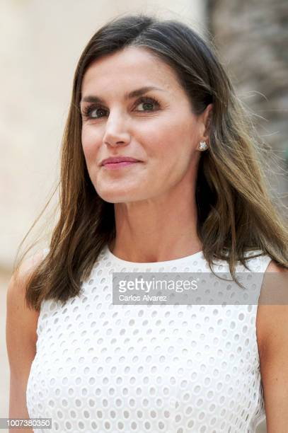 Queen Letizia of Spain poses for the photographers during the summer session at the Almudaina Palace on July 29 2018 in Palma de Mallorca Spain