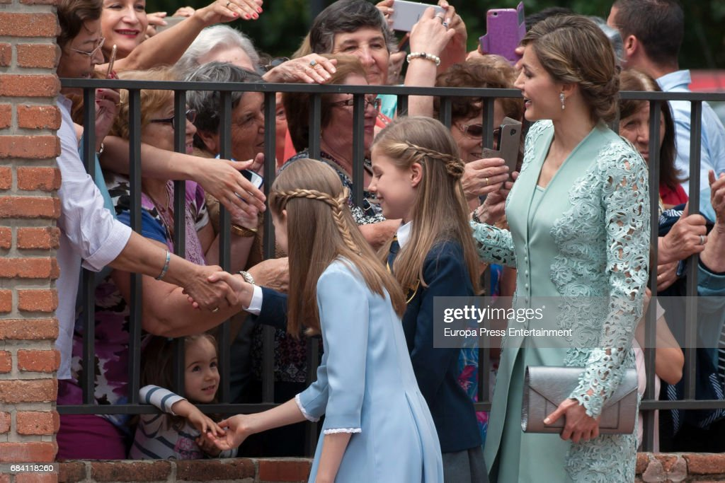Spanish Royals Attend Their Daughter Sofia's First Communion : News Photo