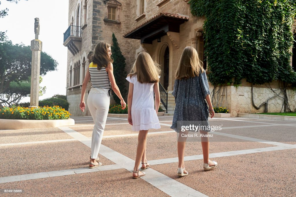 Queen Letizia of Spain (L), Princess Leonor of Spain (C) and Princess Sofia of Spain (R) poses for the photographers during the summer photocall at the Marivent Palace on July 31, 2017 in Palma de Mallorca, Spain.