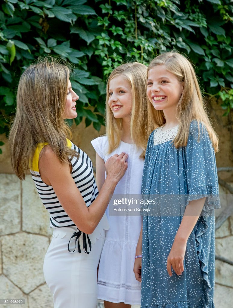 Queen Letizia of Spain, Princess Leonor of Spain and Princess Sofia of Spain attend the summer photocall on July 31, 2017 in Palma de Mallorca, Spain.