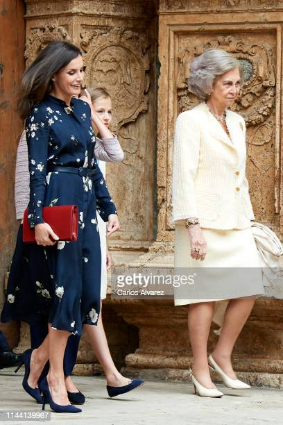 Queen Letizia of Spain Princess Leonor of Spain and Queen Sofia attend the Easter Mass at the Cathedral of Palma de Mallorca on April 21 2019 in...