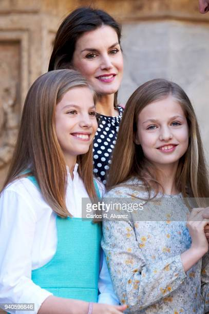 Queen Letizia of Spain Princess Sofia of Spain and Princess Leonor of Spain attend the Easter mass on April 1 2018 in Palma de Mallorca Spain